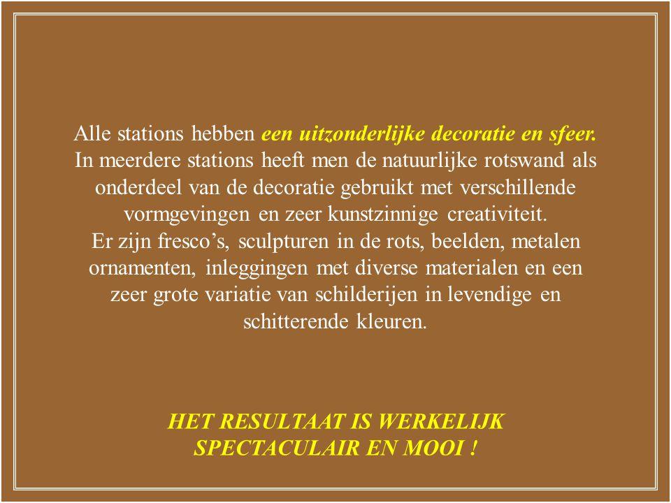In het station RISSNE vertelt een informatief fresco op de wanden langs het perron het verhaal van de aardse beschavingen.