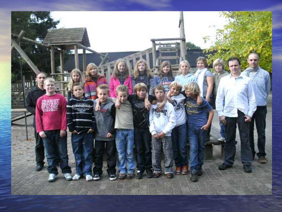 Actie 11.11.11 Omhaling enveloppen in onze parochie door onze vormelingen samen met catechisten en andere vrijwilligers Zaterdag 13 november 2010