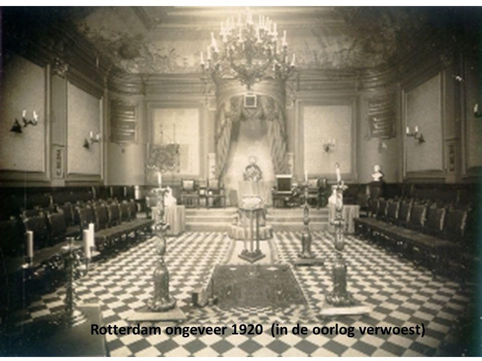 14 Rotterdam ongeveer 1920 (in de oorlog verwoest)