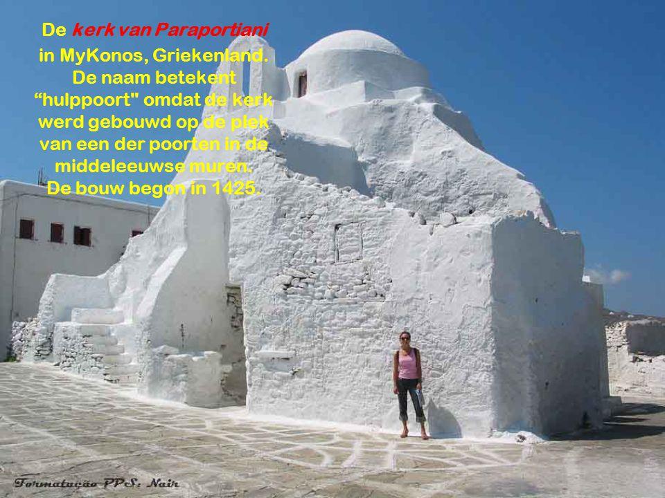 Göreme, stad in Capadocië, Turkije.De kerk werd in de rots uitgehouwen (zachte lavarots).