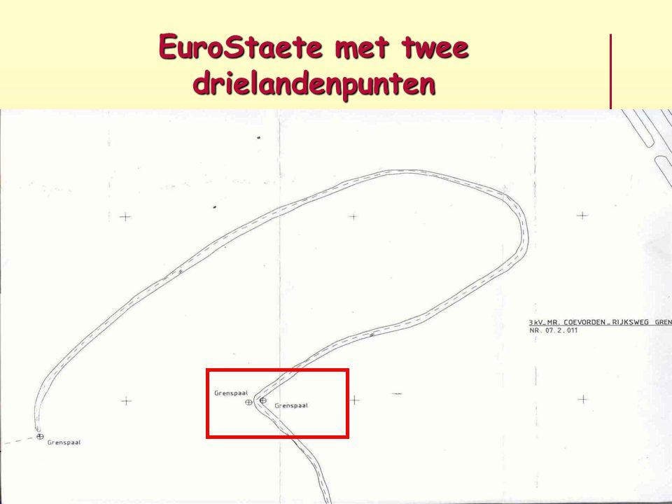 Beide grenspalen met nummer 144 De oude grensteen 144