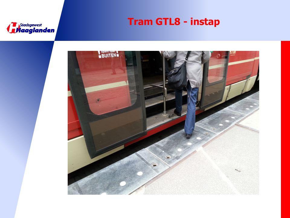 Tram GTL8 - instap