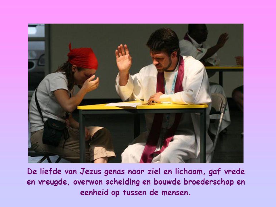 Het is een liefde die Jezus één maakte met zijn Vader en die Hem er tegelijk toe bracht zich te vereenzelvigen met al zijn broers en zusters, vooral