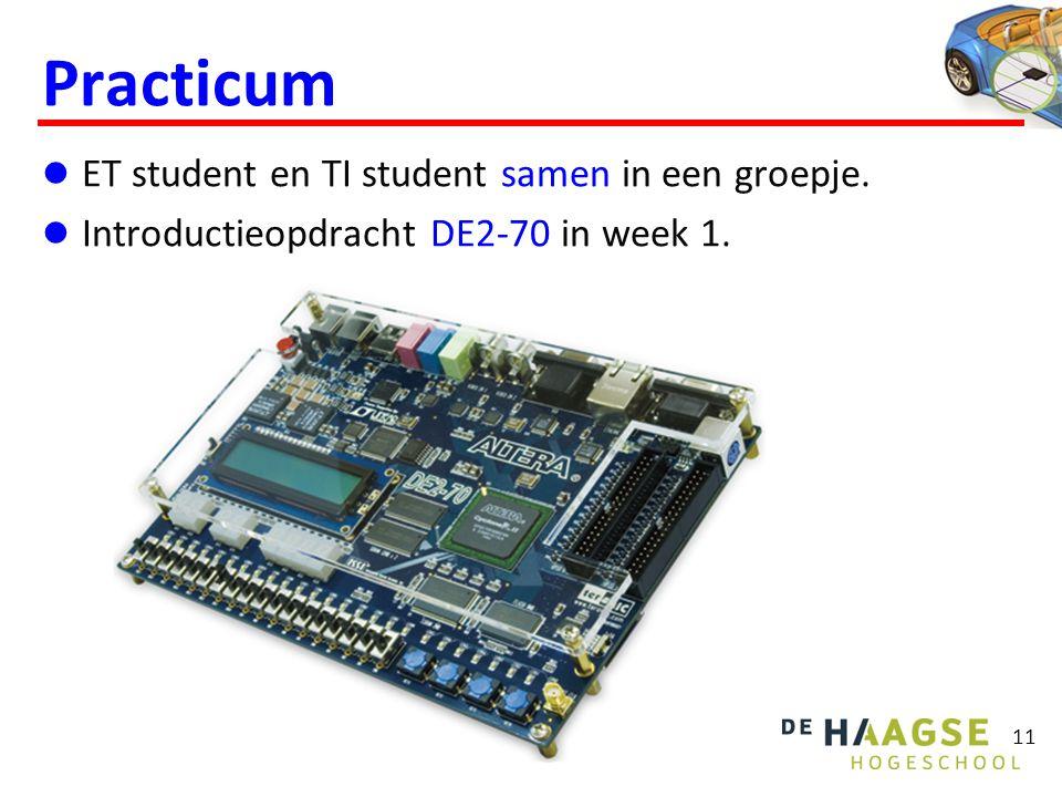 11 Practicum ET student en TI student samen in een groepje. Introductieopdracht DE2-70 in week 1.
