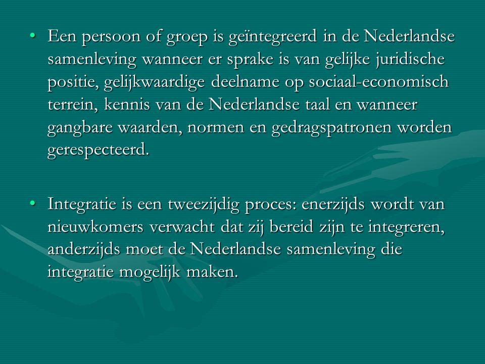 Een persoon of groep is geïntegreerd in de Nederlandse samenleving wanneer er sprake is van gelijke juridische positie, gelijkwaardige deelname op soc