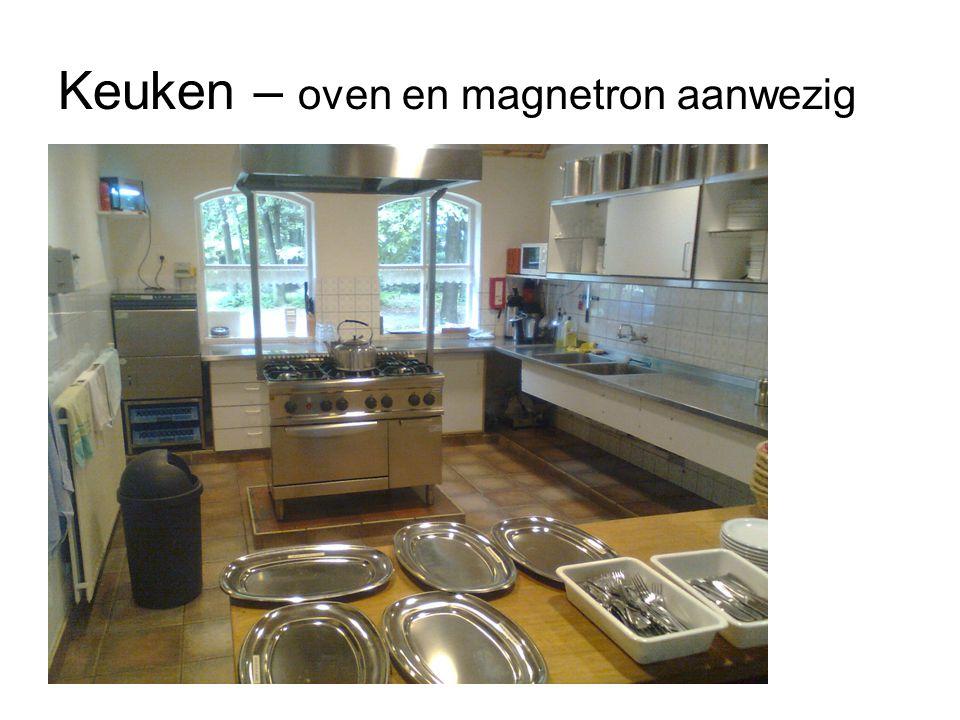 Keuken – oven en magnetron aanwezig