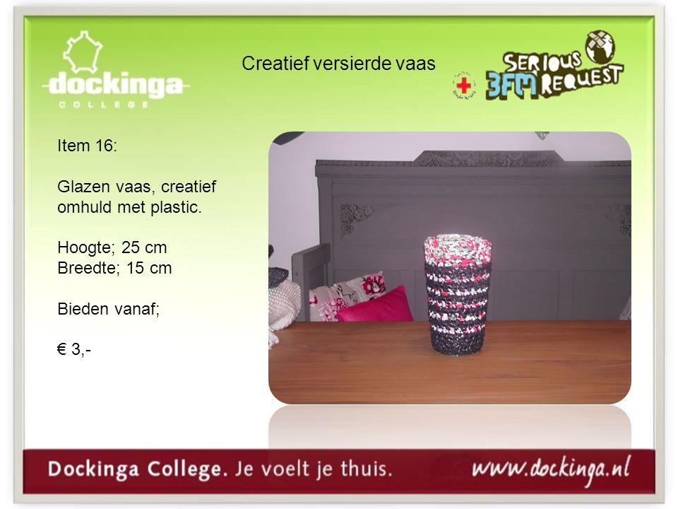 Creatief versierde vaas Item 16: Glazen vaas, creatief omhuld met plastic.
