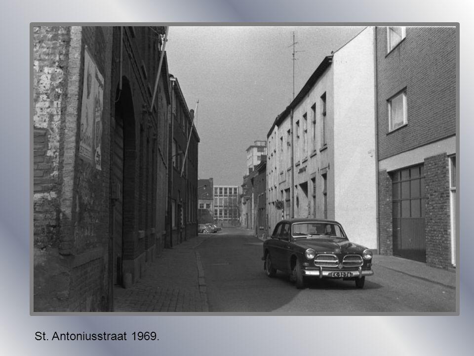 St. Antoniusstraat 1915.St. Antoniusstraat 1900. Stads werkplaats.
