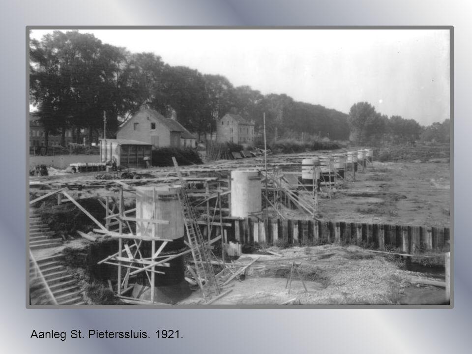 St. Pieter. Douanekantoor 1901.