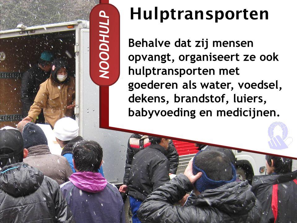 NOODHULP Men is blij met de hulp uit Nederland.