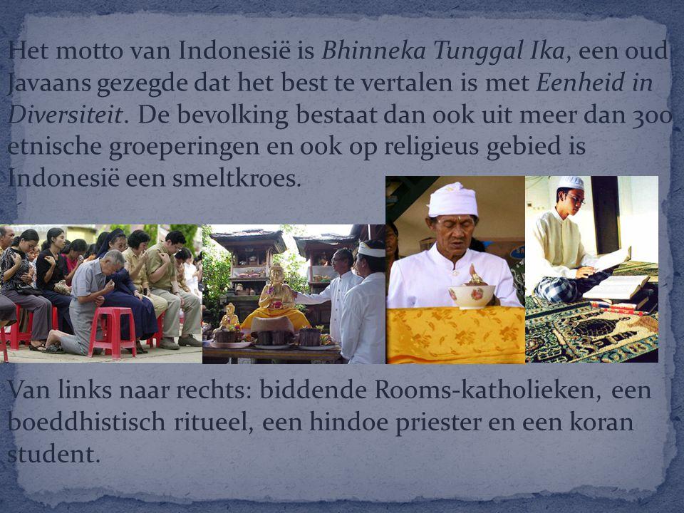 Het motto van Indonesië is Bhinneka Tunggal Ika, een oud Javaans gezegde dat het best te vertalen is met Eenheid in Diversiteit. De bevolking bestaat