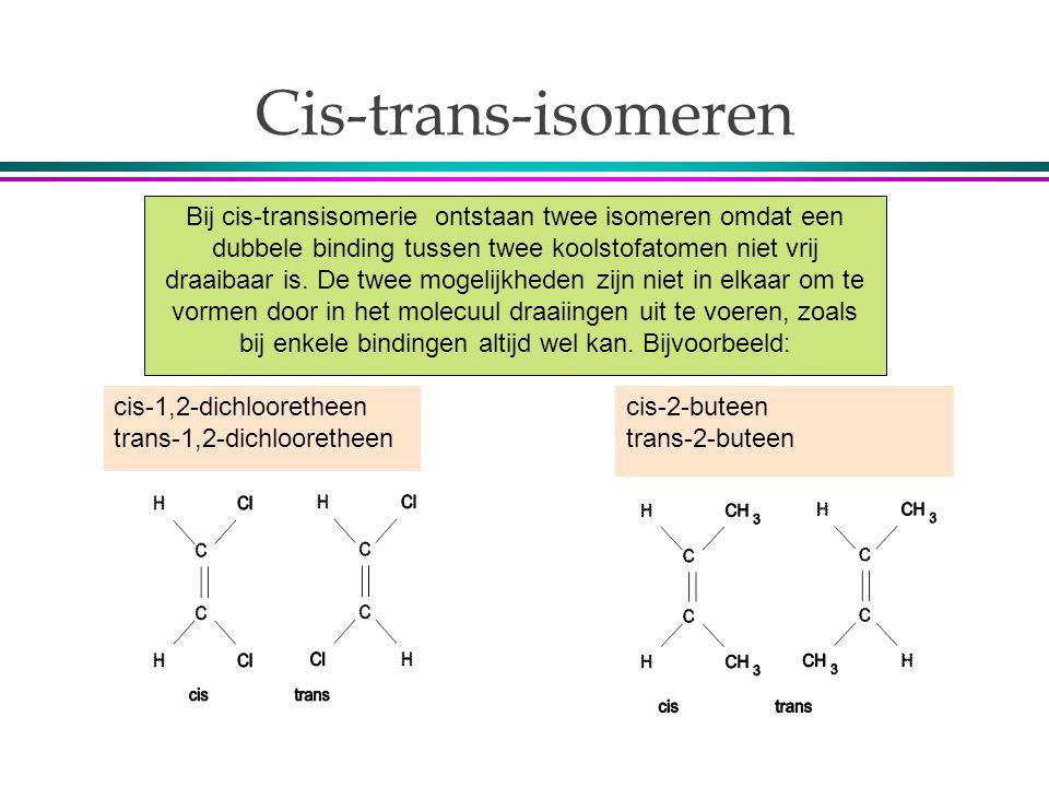 Cis-trans-isomeren Bij cis-transisomerie ontstaan twee isomeren omdat een dubbele binding tussen twee koolstofatomen niet vrij draaibaar is. De twee m