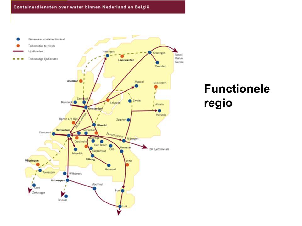 Functionele regio Afbakening op basis van interactie tussen verschijnselen Interactie kan plaatsvinden tussen verschillende min of meer gelijksoortige centra (bijv.