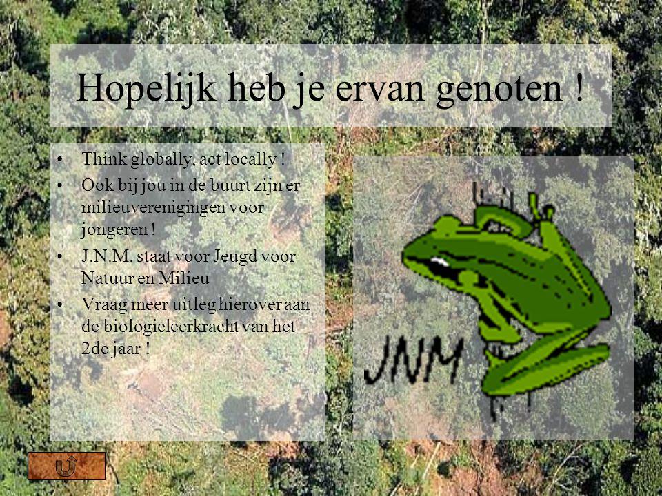 De tseetseevlieg Tseetseevliegen zijn ongeveer twee keer zo groot als huisvliegen en kunnen pijnlijk steken. Wanneer iemand besmet is met de ziekte, o