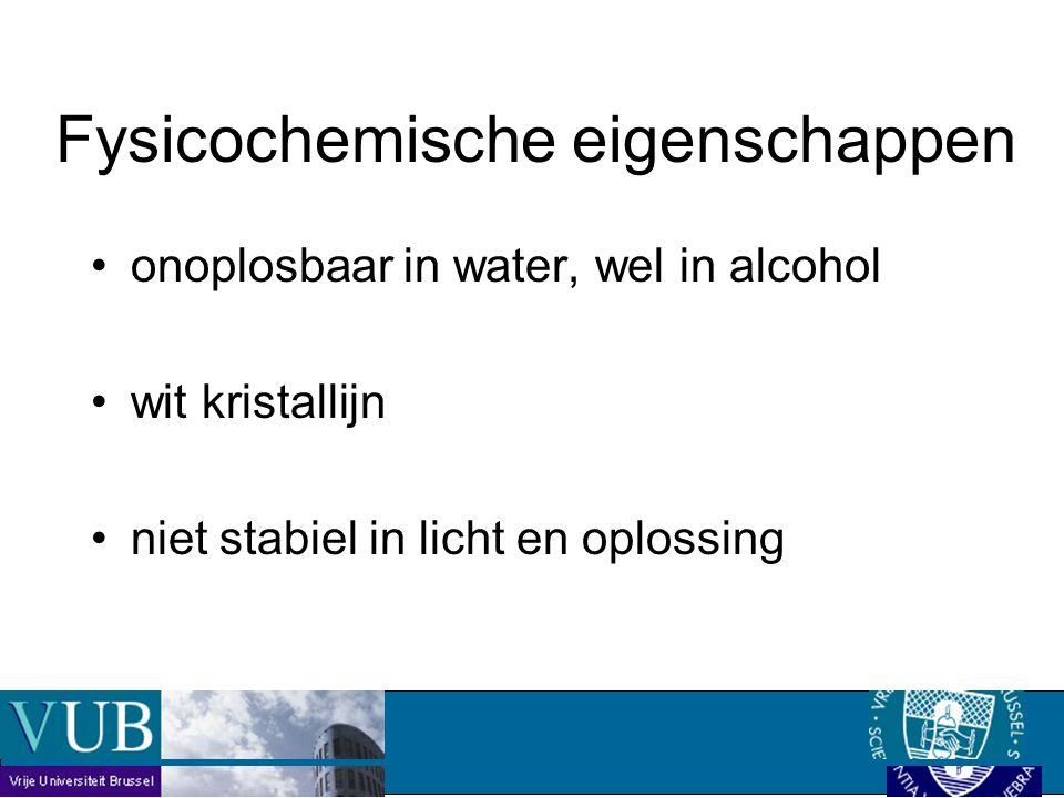 onoplosbaar in water, wel in alcohol wit kristallijn niet stabiel in licht en oplossing Fysicochemische eigenschappen