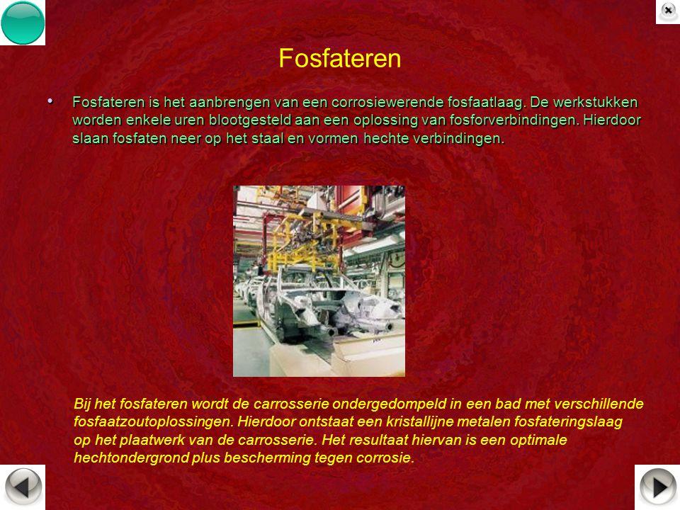 Fosfateren Fosfateren is het aanbrengen van een corrosiewerende fosfaatlaag. De werkstukken worden enkele uren blootgesteld aan een oplossing van fosf