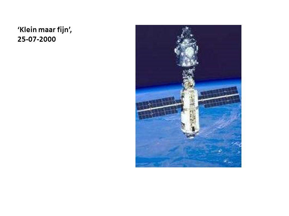 22-09-2000 Zvezda woonmodule, module links ruimtestation ISS 'Alpha' = bewoonbaar