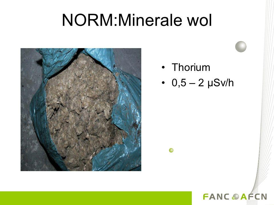 NORM:Farmaceutische producten Uranium/thorium 0,1 - 15 µSv/h Uranylacetaat