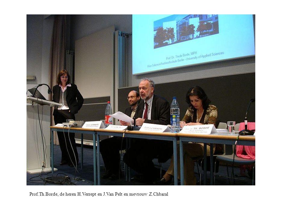 Prof.Th.Borde, de heren H.Verrept en J.Van Pelt en mevrouw Z.Chbaral