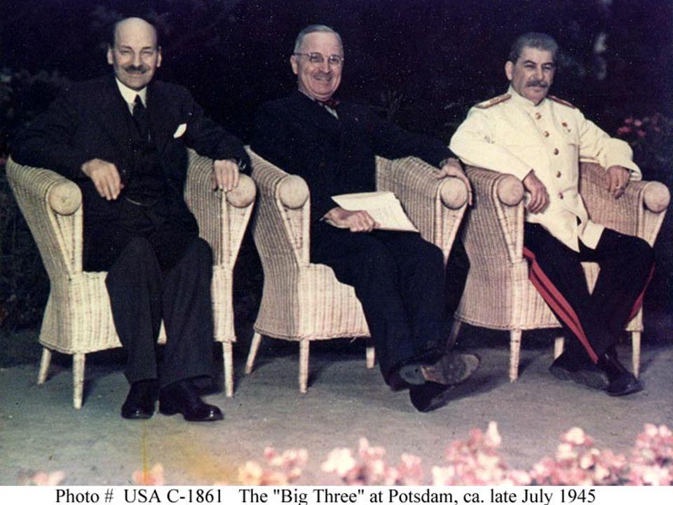 Nasser 1918-1970 1948 deed mee aan Palestijnse oorlog 1948-1949 1948 deed mee aan Palestijnse oorlog 1948-1949 1952 einde Egyptische monarchie corrupte Koning Faroek 1952 einde Egyptische monarchie corrupte Koning Faroek 1954 Nasser president republiek, arabische socialisme, nationalisaties 1954 Nasser president republiek, arabische socialisme, nationalisaties Maakt einde 72 jarige macht van VK over Egypte (vanaf 1882), VK trekt troepen terug Suezkanaal Maakt einde 72 jarige macht van VK over Egypte (vanaf 1882), VK trekt troepen terug Suezkanaal Bouw van Aswan dam, landbouwhervorming, industrialisatie Bouw van Aswan dam, landbouwhervorming, industrialisatie 1958-1961 staatkundige unie met Syrië 1958-1961 staatkundige unie met Syrië Wilde verenigde natie voor alle arabieren Wilde verenigde natie voor alle arabieren President tot 1970 President tot 1970 Na Kennedy Nasser steeds afh.