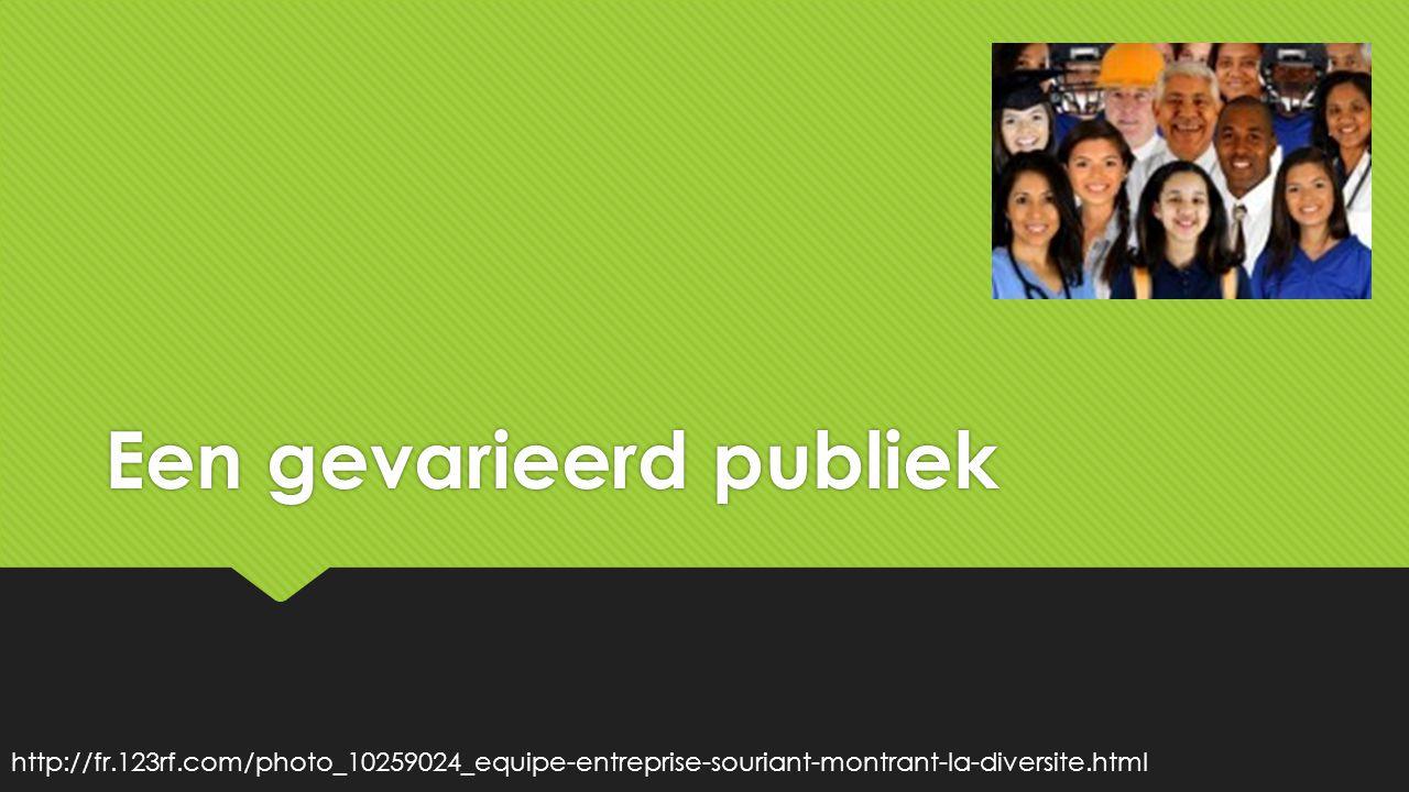 Een gevarieerd publiek http://fr.123rf.com/photo_10259024_equipe-entreprise-souriant-montrant-la-diversite.html