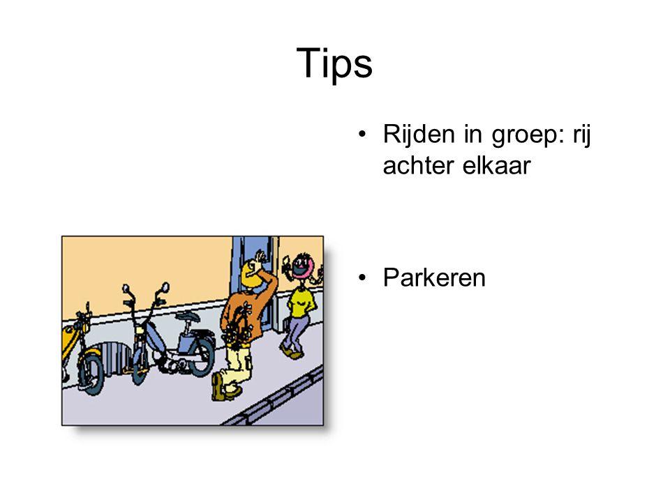Tips Rijden in groep: rij achter elkaar Parkeren
