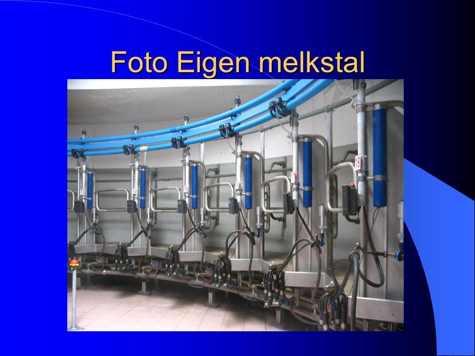 Beschrijving van eigen melksysteem Eigen melksysteem : Draaimelkstal 24 stands Delaval Digitale melkmeters Automatische afname Koeherkenning bij de in