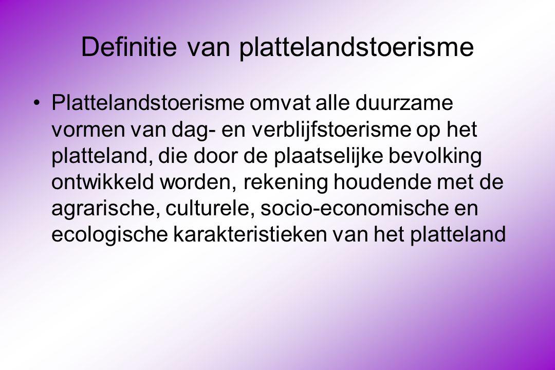 Wetgeving (1) : decreet op de logiesverstrekkende bedrijven 1984 Benelux-classificatie in O-categorie of in de categorieën 1, 2, 3, 4 of 5 sterren Mogelijkheid tot vrijwillige vergunning voor kleinschalige ondernemers O-categorie : eenvoudige basiseisen : –Afsluiten kamer ; één raam ; gordijnen –Bed, stopcontact, verlichting –1 wasgelegenheid per 10 kamers