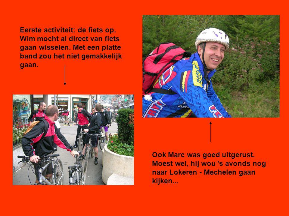 Eerste activiteit: de fiets op. Wim mocht al direct van fiets gaan wisselen.
