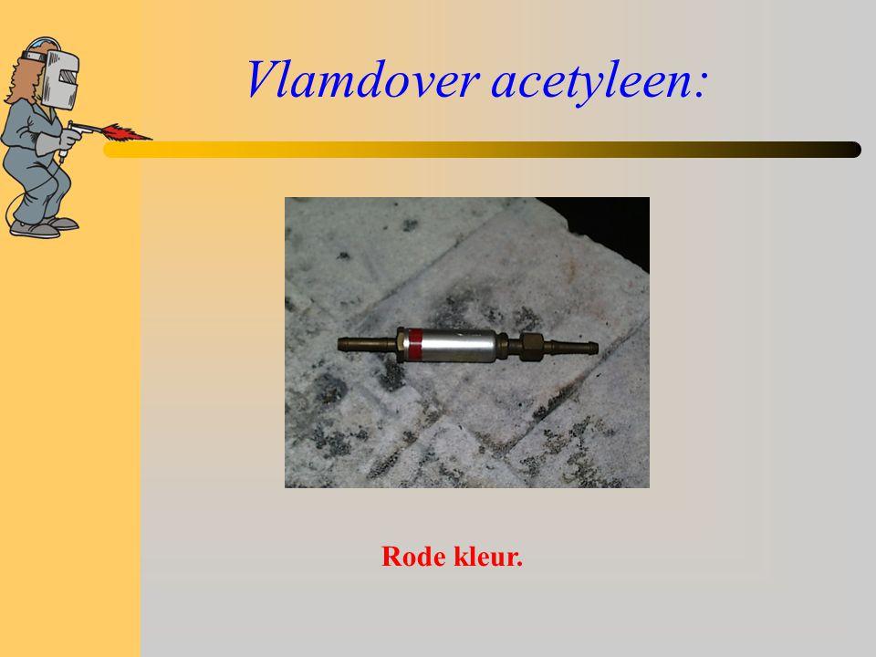 Vlamdover acetyleen: Rode kleur.