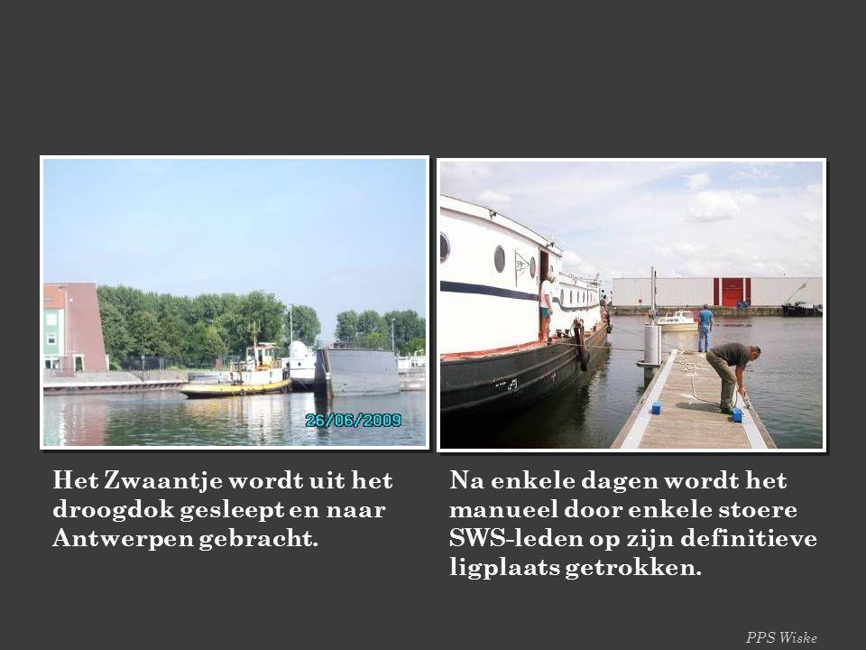 PPS Wiske Het Zwaantje wordt uit het droogdok gesleept en naar Antwerpen gebracht.