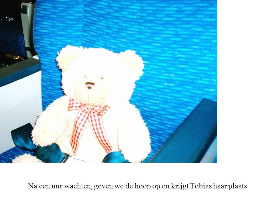 Na een uur wachten, geven we de hoop op en krijgt Tobias haar plaats