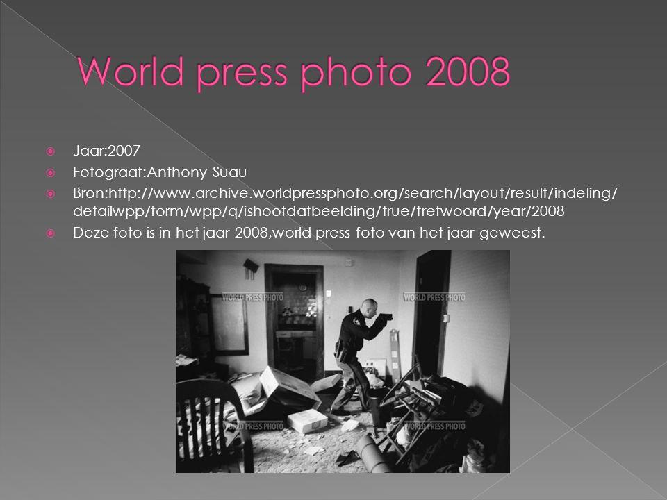  Jaar:2009  Fotograaf:Farah Abdi Warsameh  Bron:http://www.archive.worldpressphoto.org/search/layout/result/indeling/ detailwpp/form/wpp/start/12/q/ishoofdafbeelding/true/trefwoord/year/200 9  Deze foto kreeg in het jaar 2009 de tweede prijs.