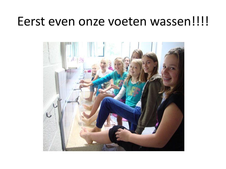Eerst even onze voeten wassen!!!!