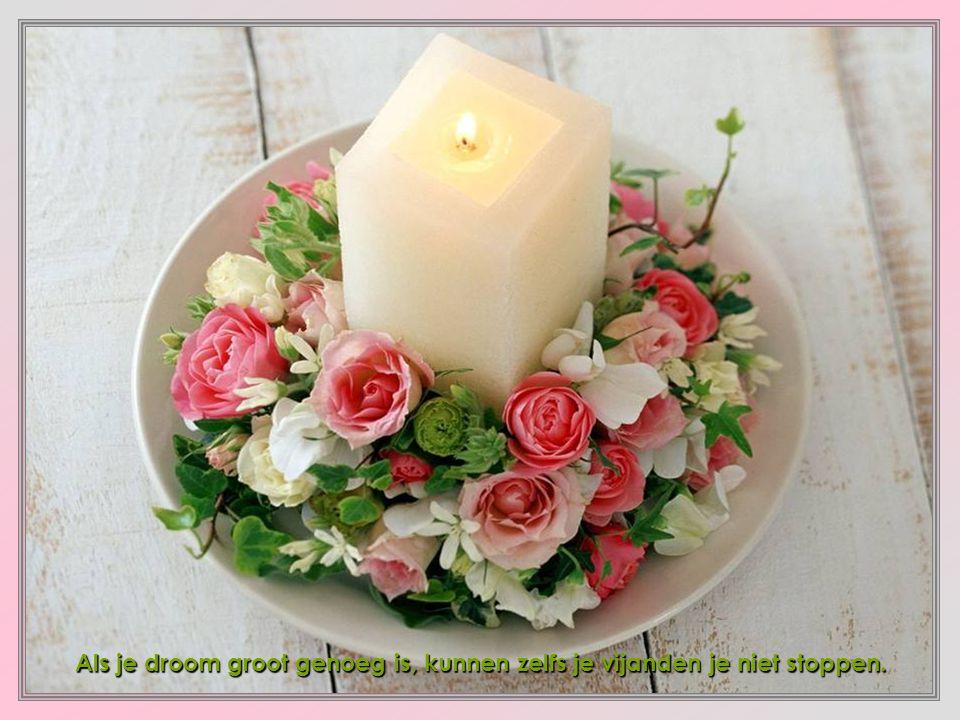Een zachte blik, een blij gelaat, een vriendelijk woord, een goede raad, al lijkt het weinig wat je schenkt.