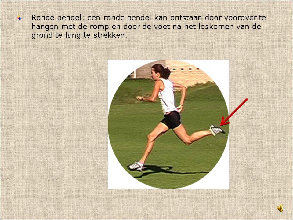 Ronde pendel: een ronde pendel kan ontstaan door voorover te hangen met de romp en door de voet na het loskomen van de grond te lang te strekken.