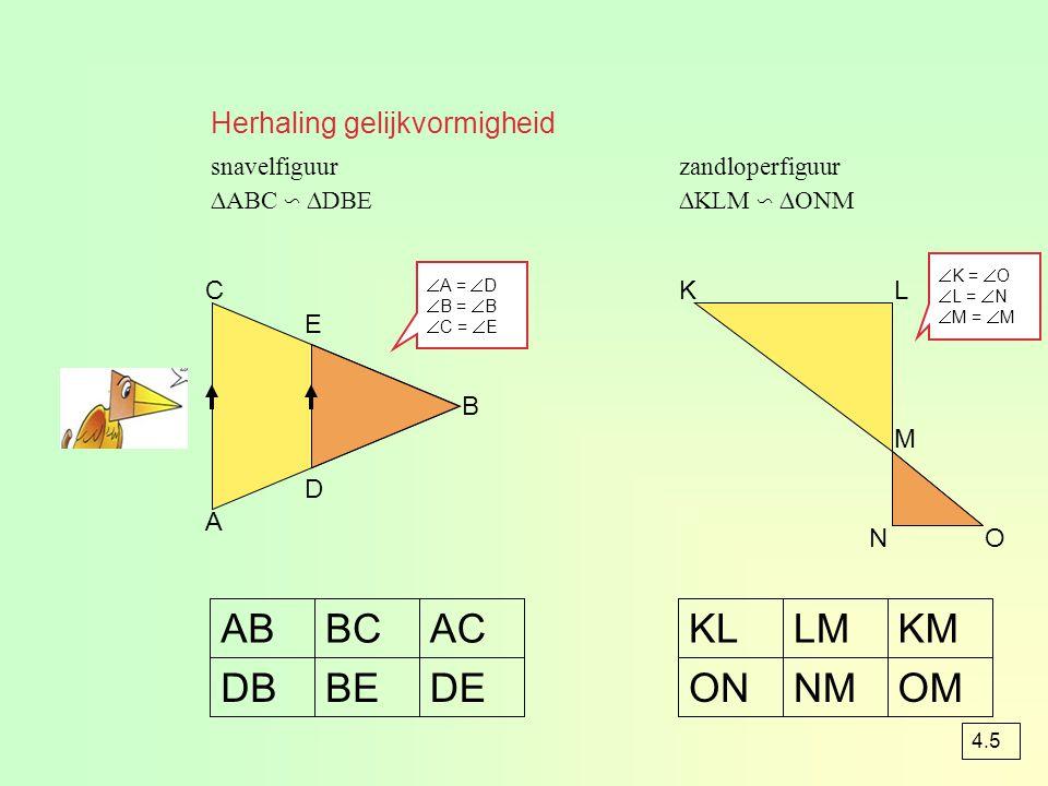 opgave 69 AB CD h 45°60° 10 ah = 4 O = ½(a + b)h eerst CD (= AE) berekenen DE = 4 AE = = = 1  √3 EF = 10 – 4 - 1  √3 EF= 6 - 1  √3 O = ½(10 + 6 - 1