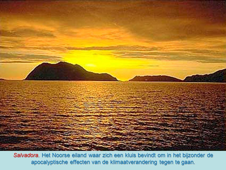 De ark van Noë met de zaden is gebouwd in Longyearbyen, een mijndorpje op het eiland Spitsbergen dat behoort tot de Noorse archipel Svalbard, ten noor