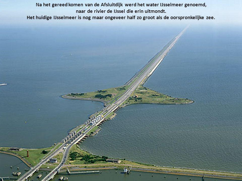 Door de sluiting van de Afsluitdijk in 1932, werd deze zee in tweeën gesplitst. Het binnendijkse deel heet sindsdien IJsselmeer, het buitendijkse deel