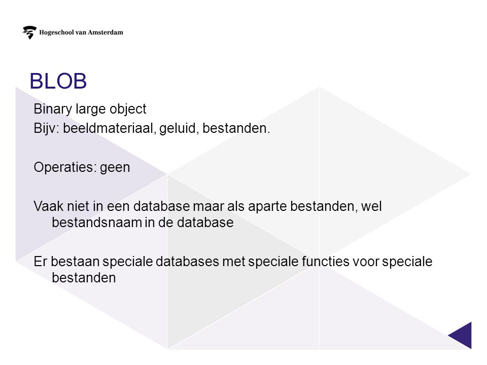 SPECIAAL GEVAL: SELECT DISTINCT SELECT DISTINCT categorie, FROM product categorie vervoer voedsel boek Is hetzelfde als: SELECT categorie FROM product GROUP BY categorie