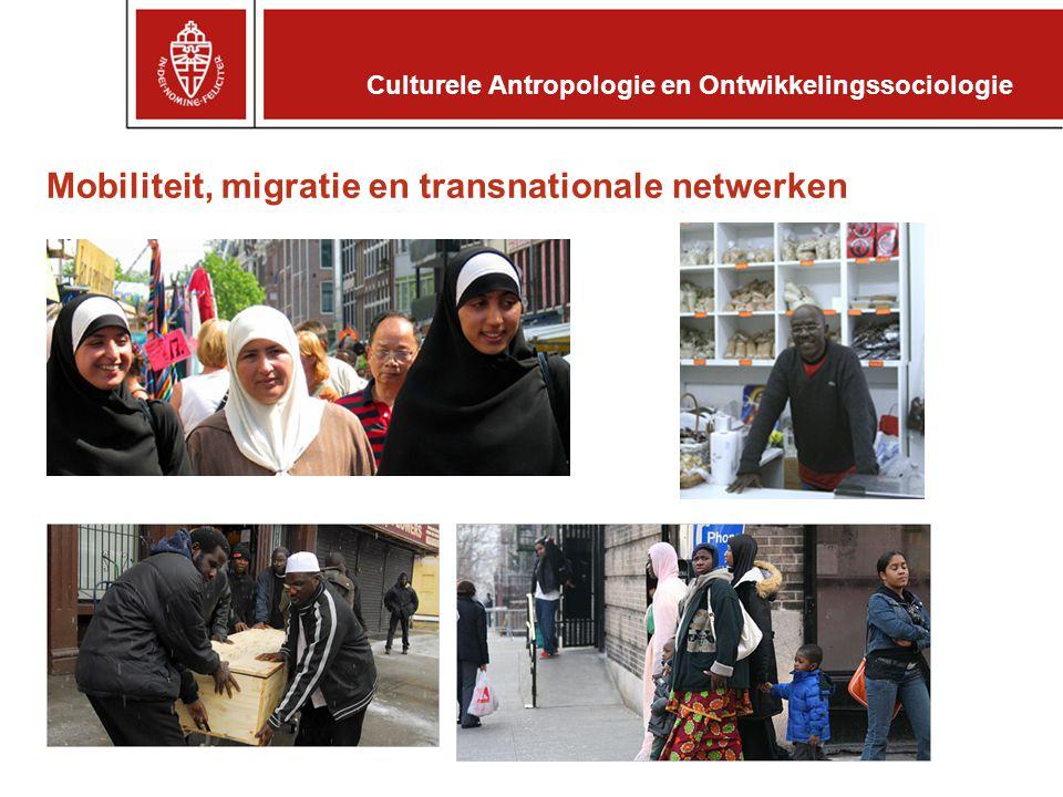 Informatiebronnen http://www.ru.nl/caos/ –Studiegids –Collegerooster –Onderwijs- en examenreglement http://www.ru.nl/studereninnijmegen/ –Voorlichting –Aanmelding en toelating Culturele Antropologie en Ontwikkelingssociologie