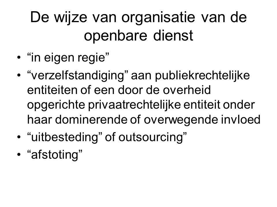 Centralisatie en decentralisatie De gecentraliseerde dienst Kenmerken - hiërarchisch gezag - eenheid van gezag - mogelijkheid tot wijziging en in de plaats stelling