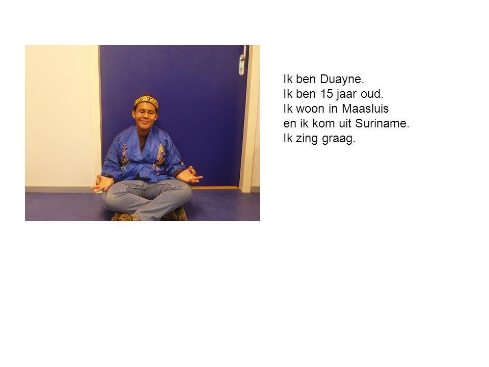 Ik ben Shefaai.Ik ben 15 jaar oud. Ik woon in Rotterdam.