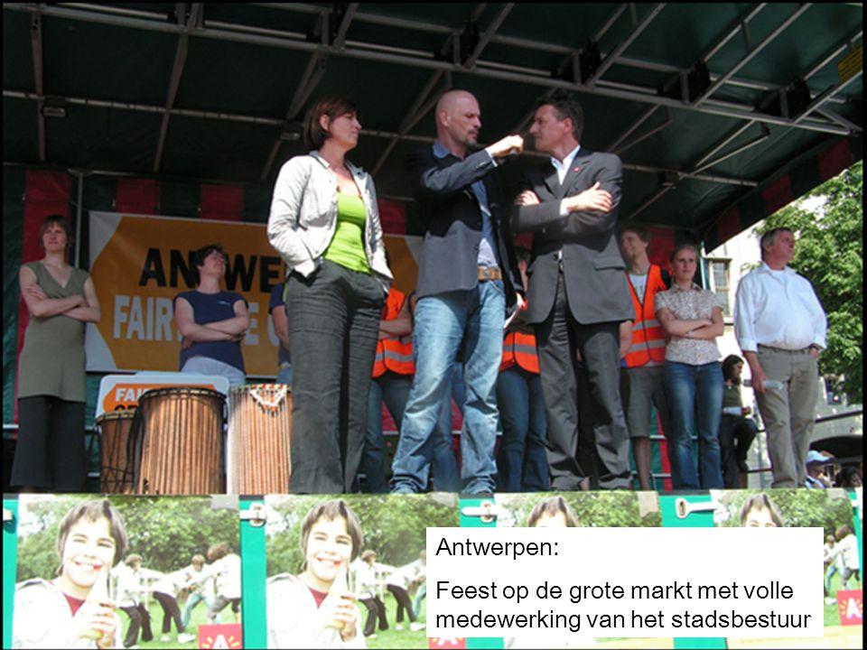 26 Antwerpen: Feest op de grote markt met volle medewerking van het stadsbestuur