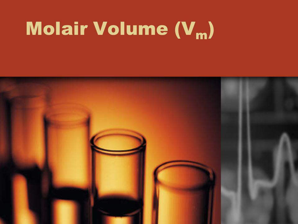 Onder bepaalde opstandigheden is het molair volume van een gas 30 dm 3.mol -1.