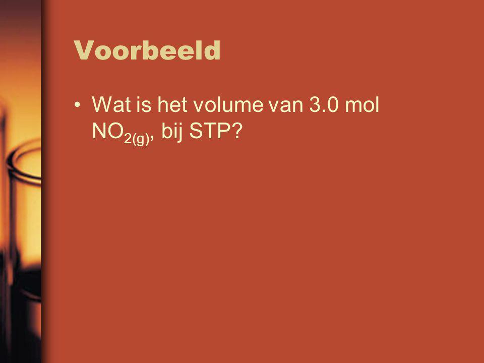Oplossing We weten: 1.00 mol van een gas bij stp heeft een volume van 22.4L dus: n 1 =1.0mol and V 1 =22.4L Uit de vraag haal je dat n 2 = 3.0mol Nu hoef je alleen de formule van Avegadro in te vullen voor V 2