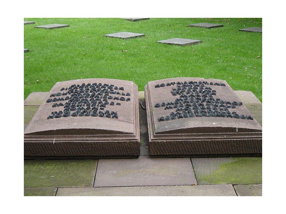 Deutscher Soldatenfriedhof Menen Het Deutscher Soldatenfriedhof Menen is een militaire begraafplaats in de Belgische stad Menen en deels op grondgebied Wevelgem.