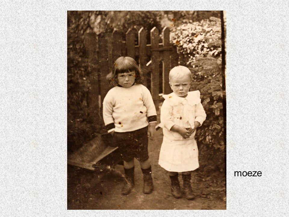 Brussel 17.4.1928 moeze Juliette Raes