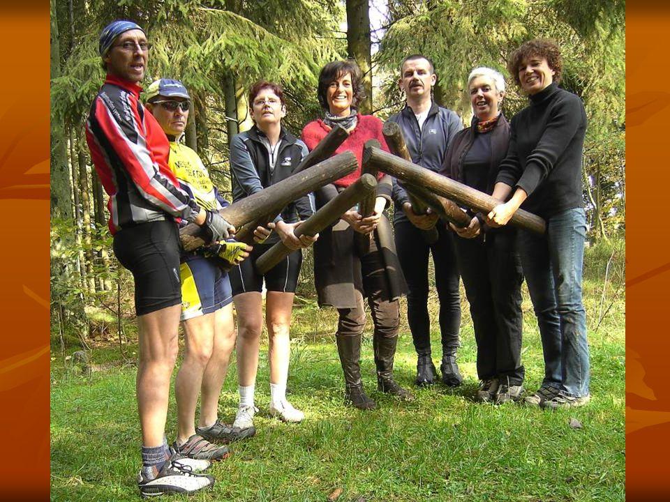 OPDRACHT Wandel,loop of fiets naar 271885/120625 en neem er een foto dat typisch is voor deze plaats Wandel,loop of fiets naar 271885/120625 en neem er een foto dat typisch is voor deze plaats