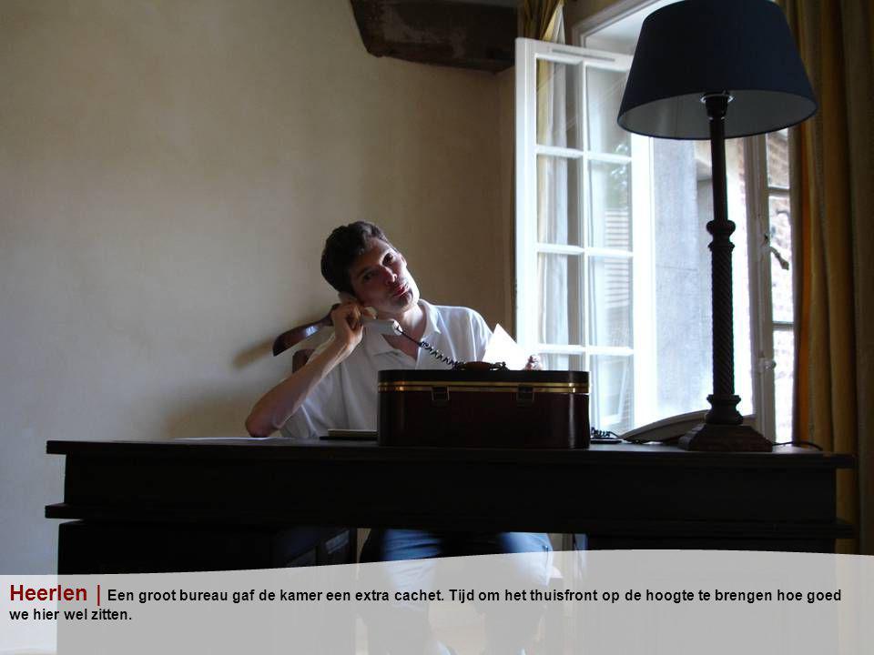 Heerlen | Een groot bureau gaf de kamer een extra cachet.